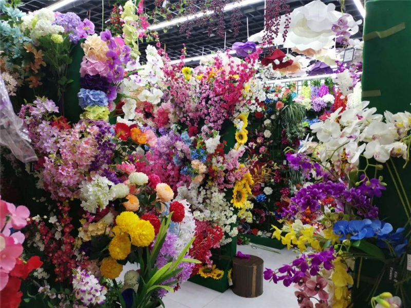Yiwu Market Artificial Flower Wholesale Shop