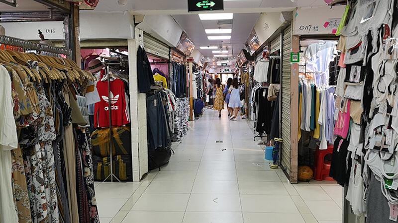 Shisanhang Clothing Market